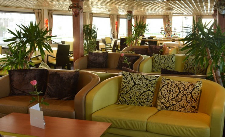 """Salon On The Ms Michelangelo"""