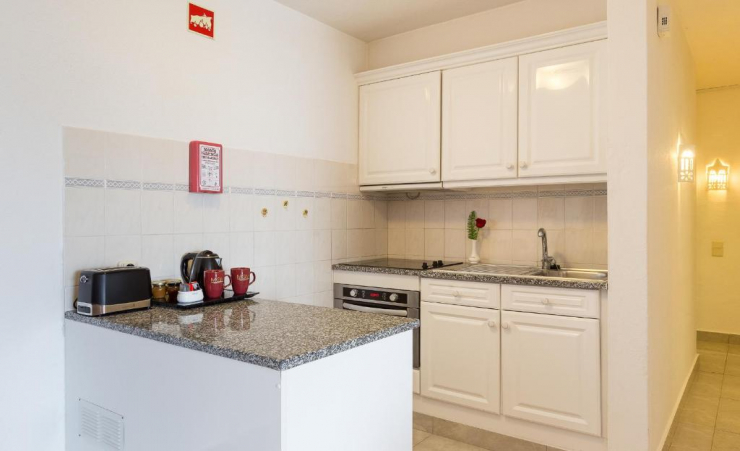Deluxe 1 Bed Apartment Kitchen